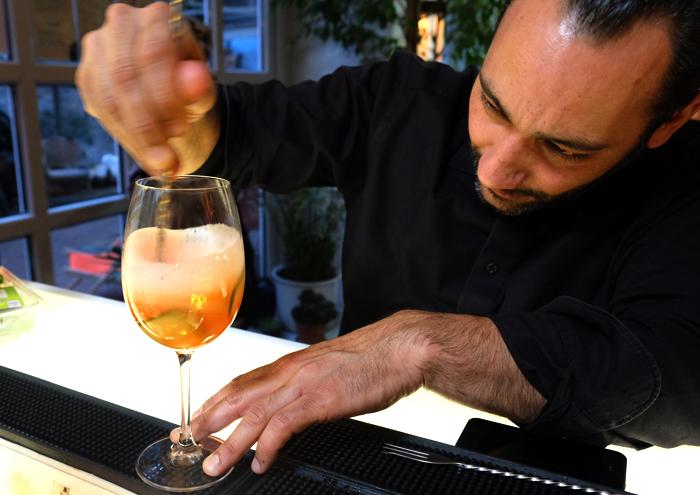 Aperol Cocktails mixen