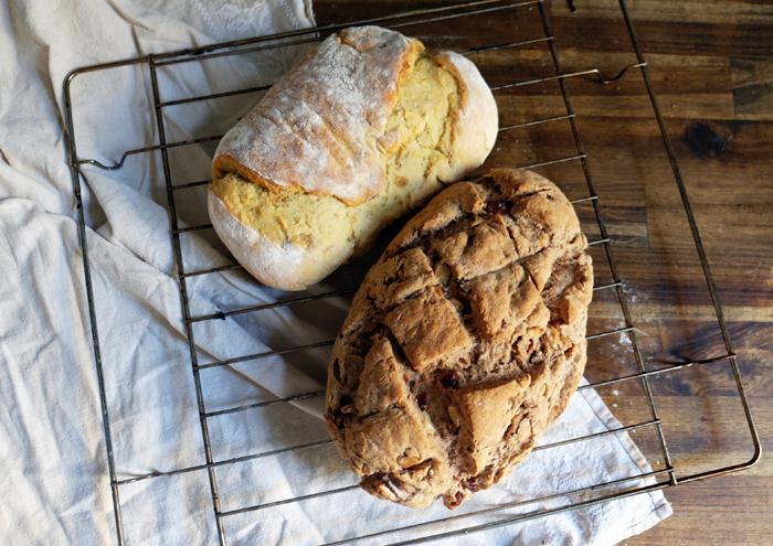 Zwei Brote für leckere Sandwiches