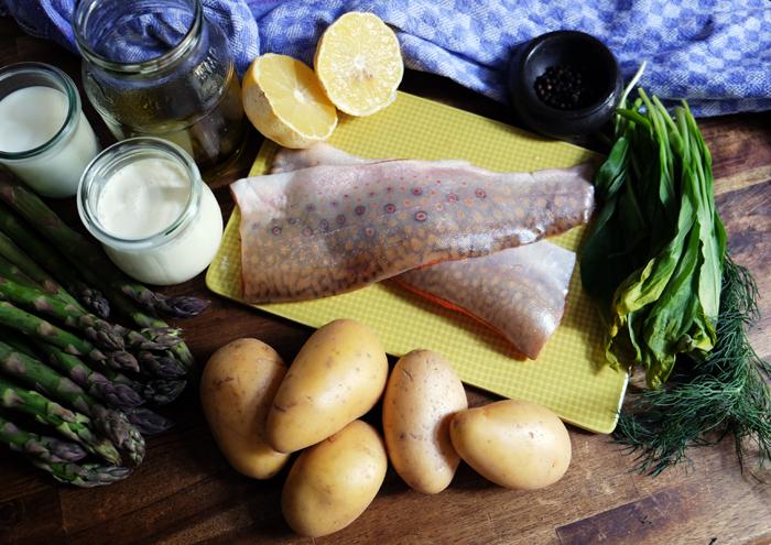Die Zutaten für das Saiblingsfilet mit Spargel und Kartoffelcreme
