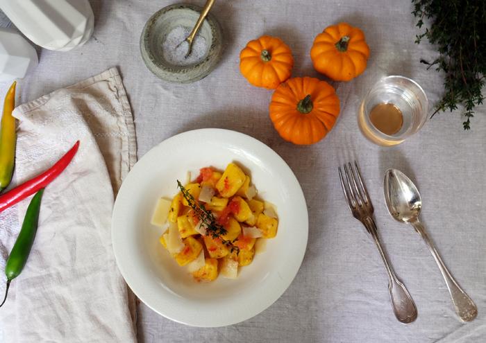 Herbstliches Gericht mit Kürbis
