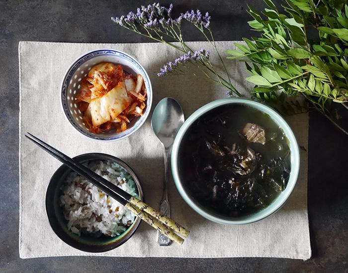 Sonntagsgericht: Koreanische Seetangsuppe zum Geburtstag