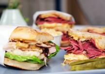 Sonntagsgericht: Sandwiches mit Pastrami und Pulled Pork