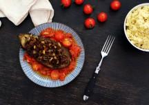 Sonntagsgericht: Gefüllte Auberginen mit Tomatensauce