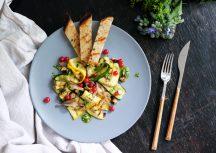 Sonntagsgericht: Zucchinisalat mit Johannisbeeren und Pesto