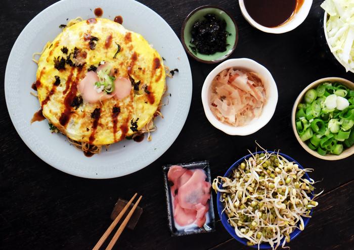 japanischer herzhafter Pfannkuchen