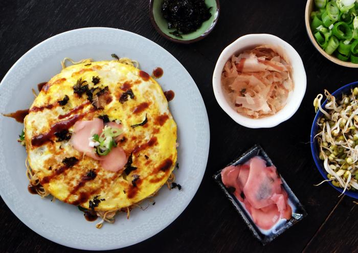 Okonomiyaki - japanischer Pfannkuchen