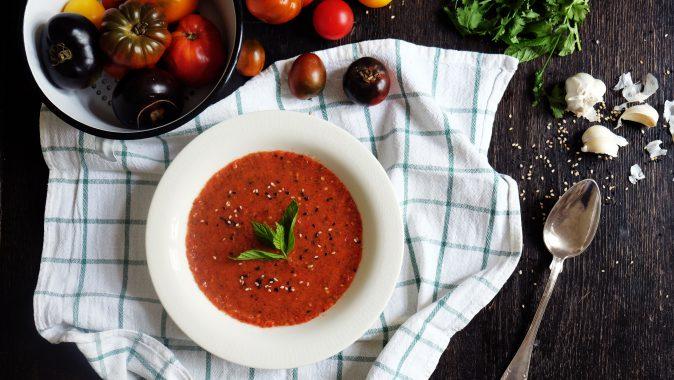 Sonntagsgericht: Schnelle Gazpacho mit Tomaten