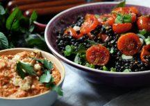 Sonntagsgericht: Linsensalat mit veganen Merguez und Paprika-Dip