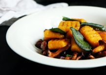 Sonntagsgericht: Süßkartoffelgnocchi mit Pfifferlingen und Salbeibutter