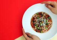 Sonntagsgericht: Miso-Kimchi-Suppe in Kollaboration mit L.A. Poke